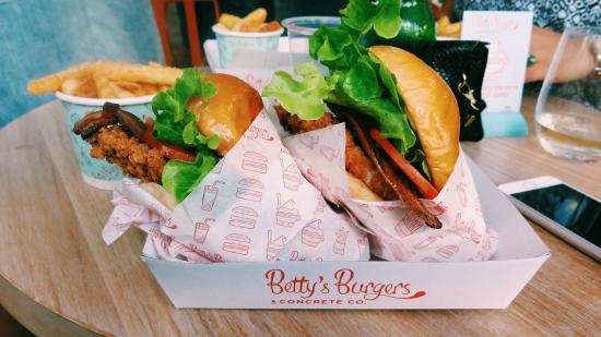 betty-s-burgers-concrete
