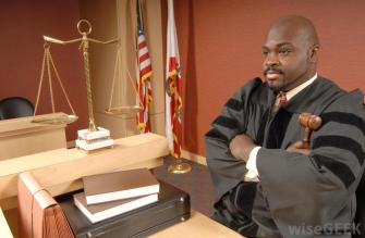 judge-with-arms-crossed