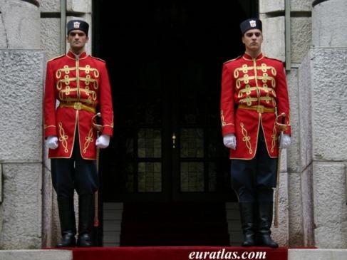 e_cetinje_guards
