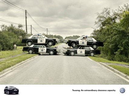 vwtouareg-road-block